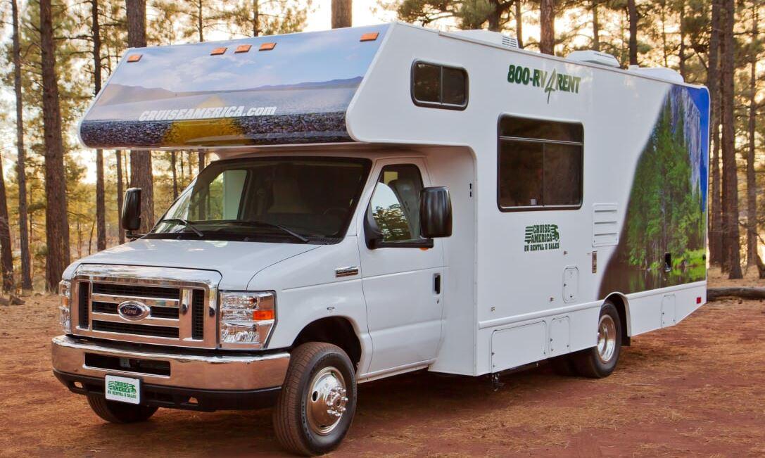 C25 Standard Campervan (5 lugares para dormir)