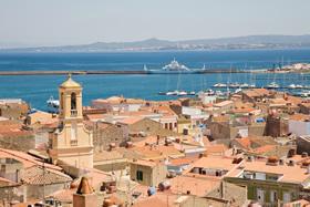 Carloforte, Sardegna. Vista panoramica sul porto