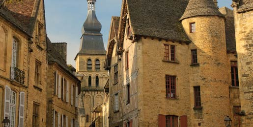 Car hire Sarlat La Caneda