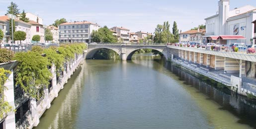 Car hire in Castres
