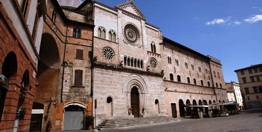 Car hire in Foligno