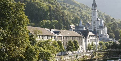 Car hire in Lourdes