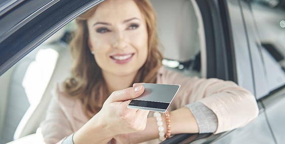 Biludlejning med debetkort