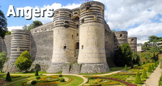Ett slott vid vattnet i Angers, Frankrike