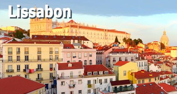 Utsikt över Lissabon och São Jorge Castle sett från området Portas do Sol