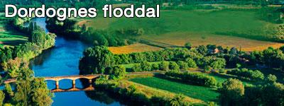 Vy över floddalen Dordogne med en bro över floden