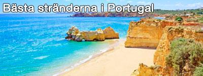 Bruna klippor, blått hav och sandstrand i en vik