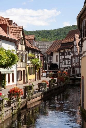 Annweiler, une ville  le long de la route des vins en Rhénanie-Palatinat